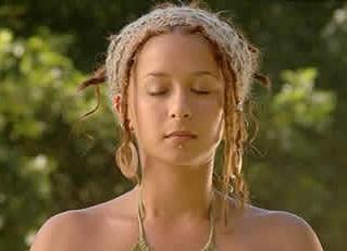 Gyllen dame mediterer brukt på hjemmesiden